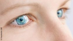 Image: Close-up of a woman with blue eyes wearing contact lenses; Copyright: Fraunhofer IAP